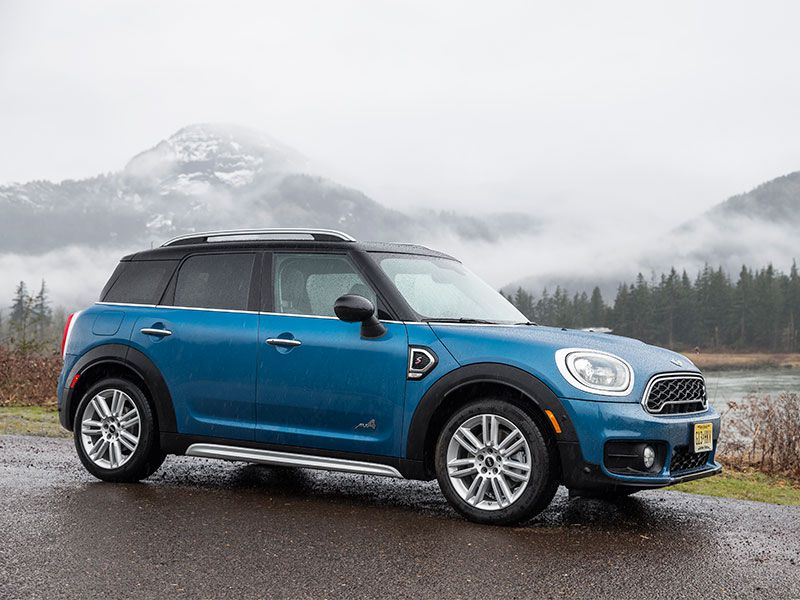 2017 MINI Countryman Road Test and Review