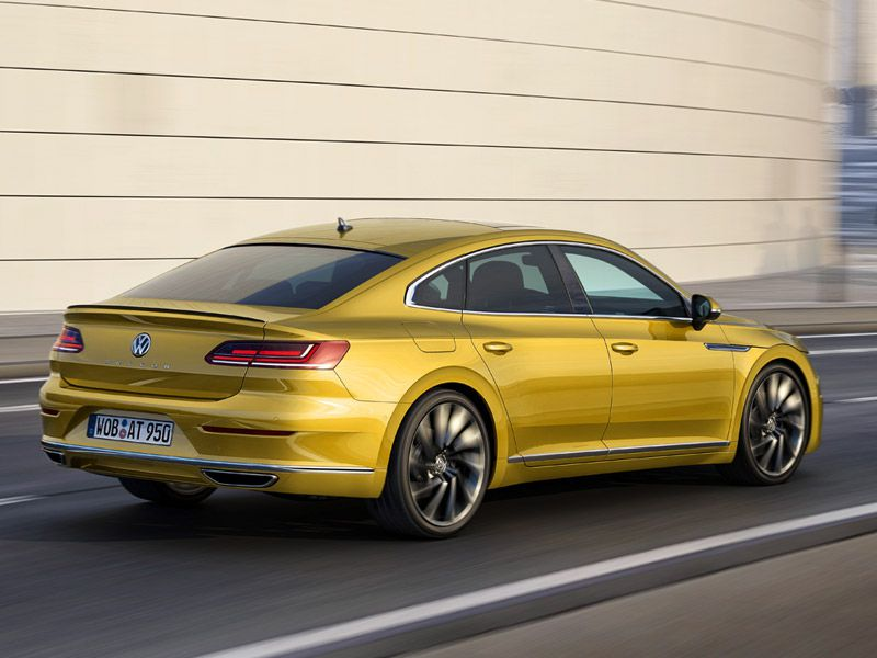 2018 Volkswagen Arteon rear view