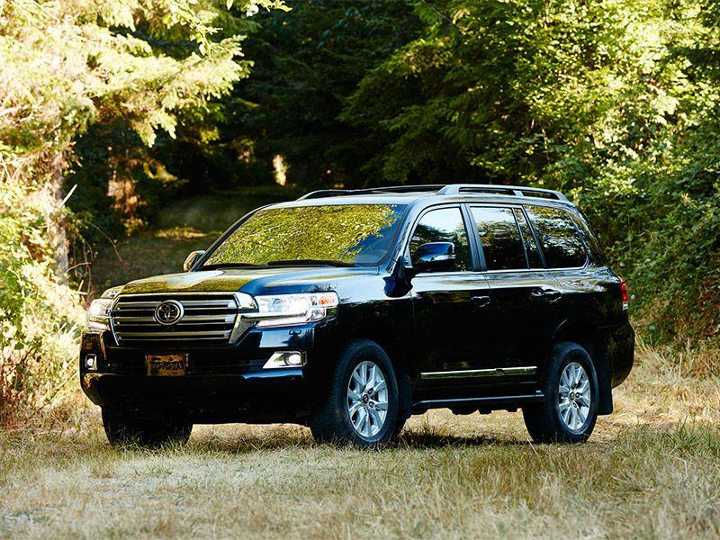 10 SUVs That Can Tow 7000 Lbs. | Autobytel.com