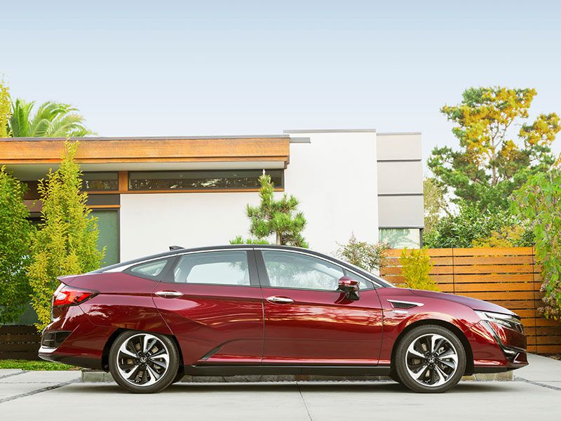 2017 Honda Clarity exterior profile parked