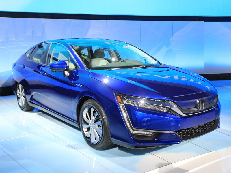 must see luxury cars sedans at the 2017 new york auto