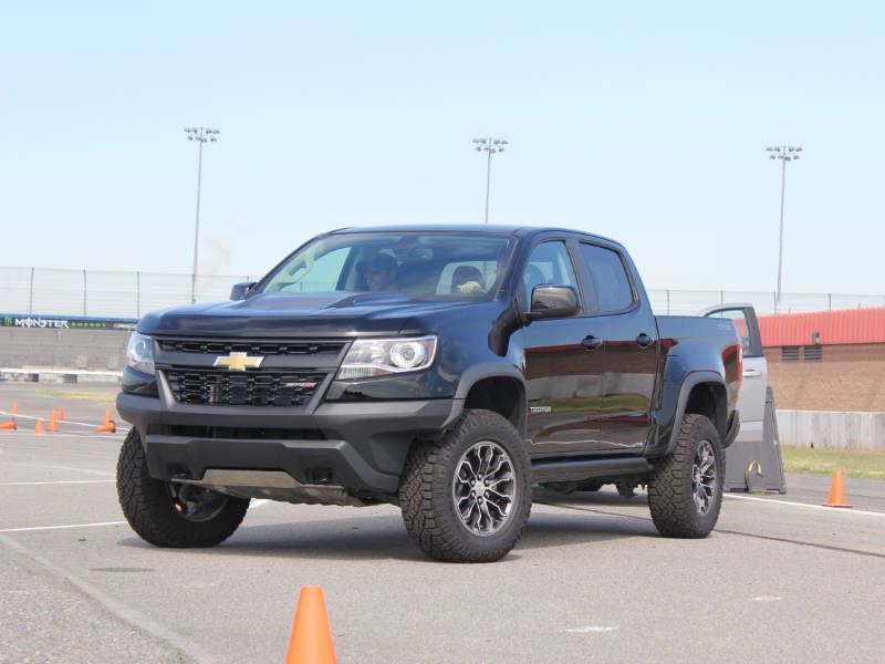 10 things you need to know about the 2017 chevrolet colorado zr2. Black Bedroom Furniture Sets. Home Design Ideas