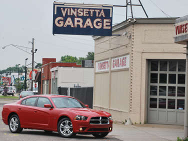 2011 Dodge Charger on 2011 Dodge Charger Frontangle Jpg