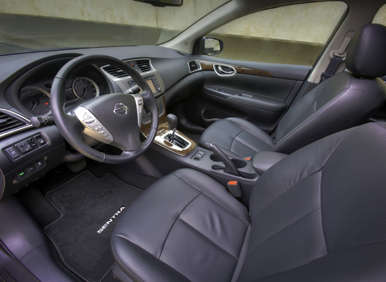 2013 Nissan Sentra Interior Leather