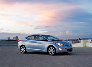 Elantra Modified 2013 on 2013 Hyundai Elantra Gains More Standard Equipment   Autobytel Com