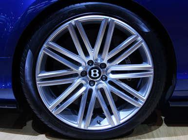Auto Repair Cost Calculator on Bentley Gt Speed Preview  La Auto Show   Autobytel Com