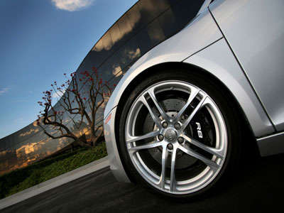 2008 Audi R8 front driver side wheel