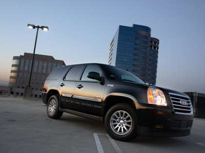 2008 Gmc Yukon Hybrid We Just Drove Although It Is Certainly An Imposing Full Size Suv Especially When Decked Out In Jack Bauer Black