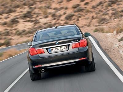 2009 BMW 750il Rear