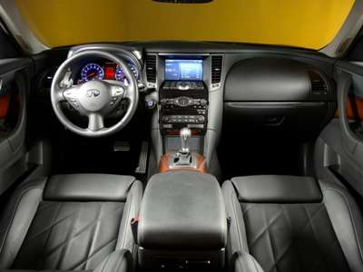 2009 Infiniti FX Dash and Seats
