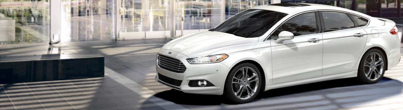 The 2016 Ford Fusion offers a rare combination of affordable pricing, engaging driving experience, excellent fuel efficiency and appealing styling!