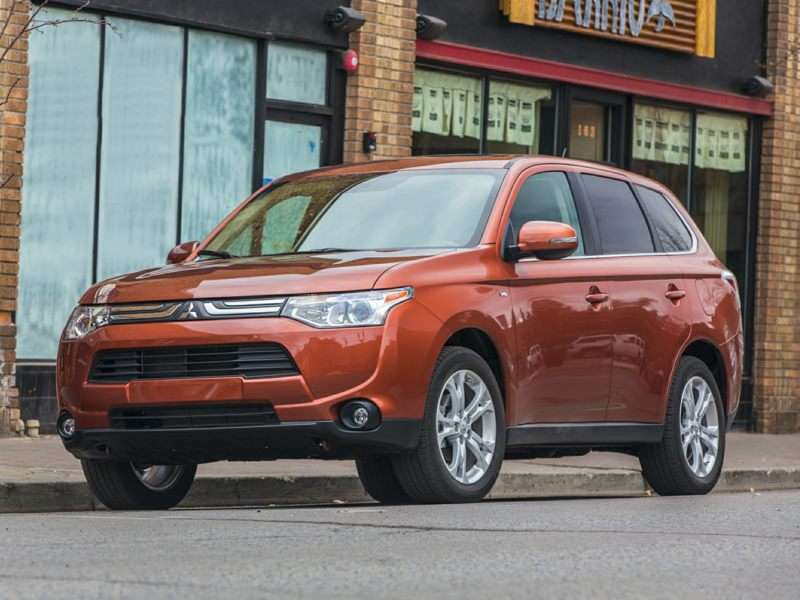 2014 Mitsubishi Outlander Earns Top Safety Pick+ Honor