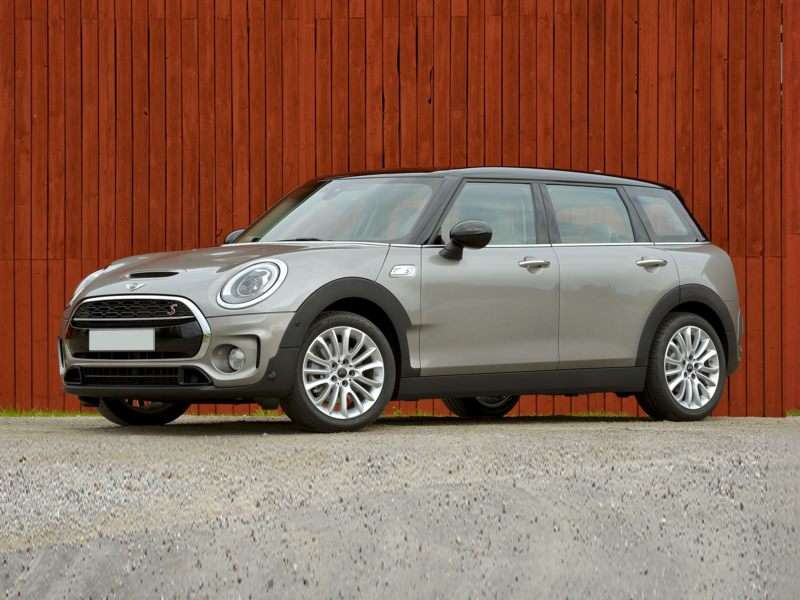 Research the 2018 MINI Clubman