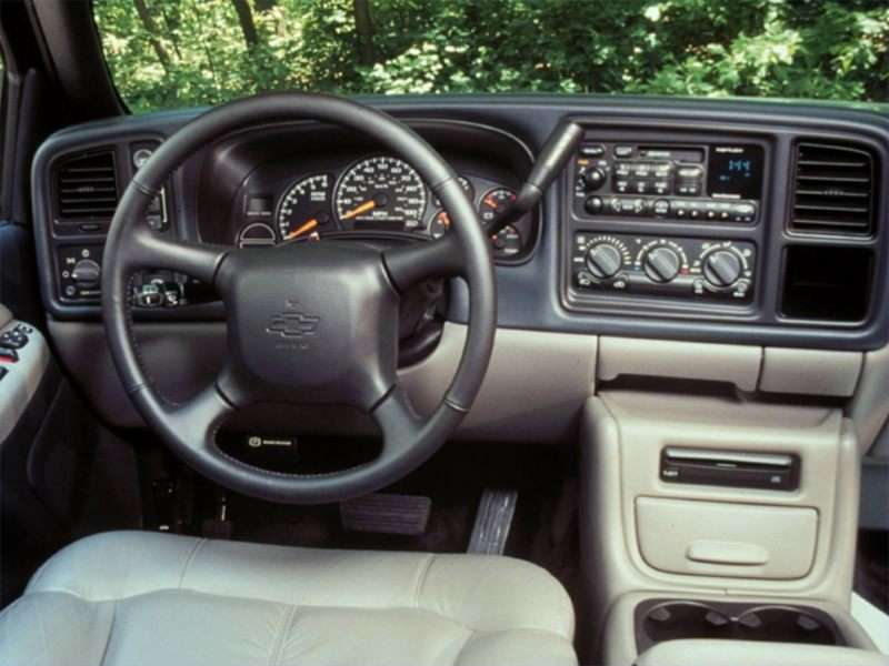 2000 chevrolet tahoe pictures including interior and exterior images
