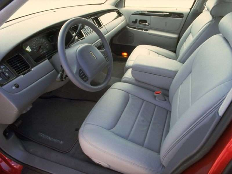 2000 Lincoln Town Car Pictures Including Interior And Exterior Images Autobytel