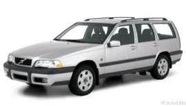 2000 Volvo V70 Base 4dr Station Wagon