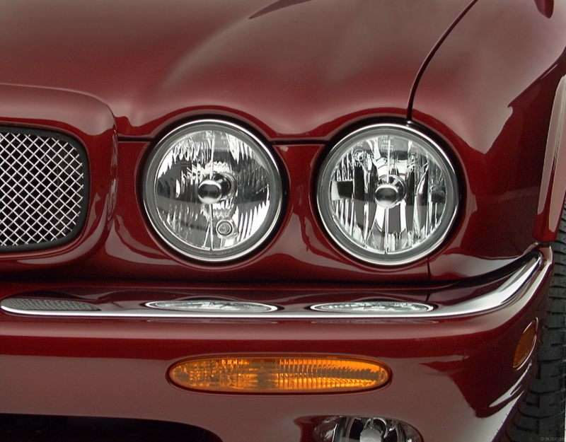 2002 Jaguar XJR Pictures Including Interior And Exterior Images |  Autobytel.com