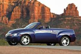 2004 Chevrolet SSR Base 2dr 4x2