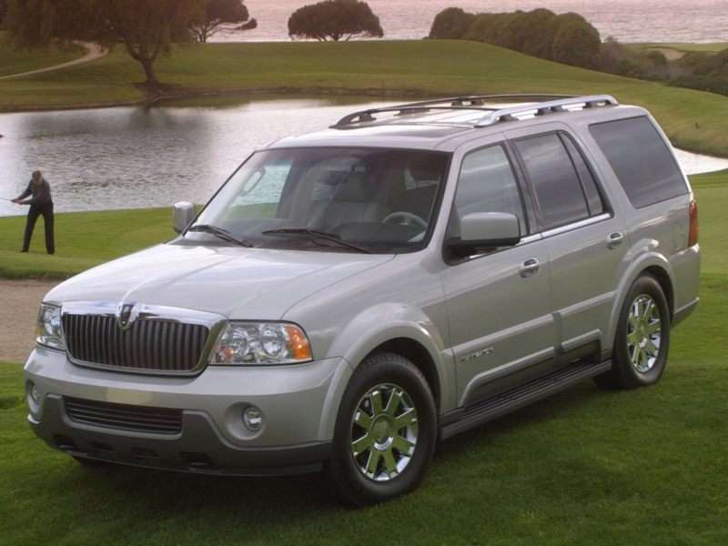 Lincoln Towncar 2017 >> 2004 Lincoln Navigator Pictures including Interior and Exterior Images | Autobytel.com
