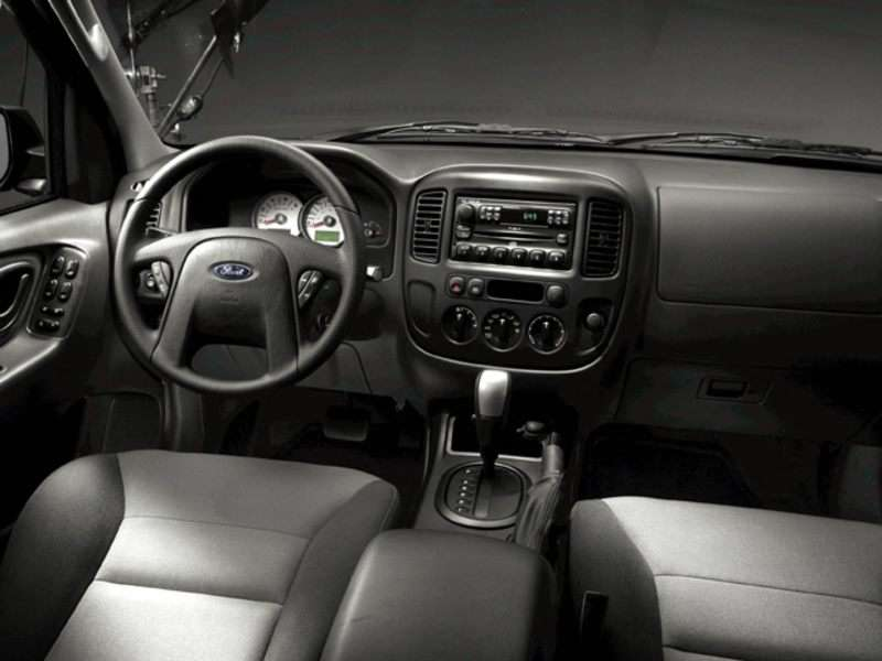 2005 Ford Escape Pictures Including Interior And Exterior Images Autobytel