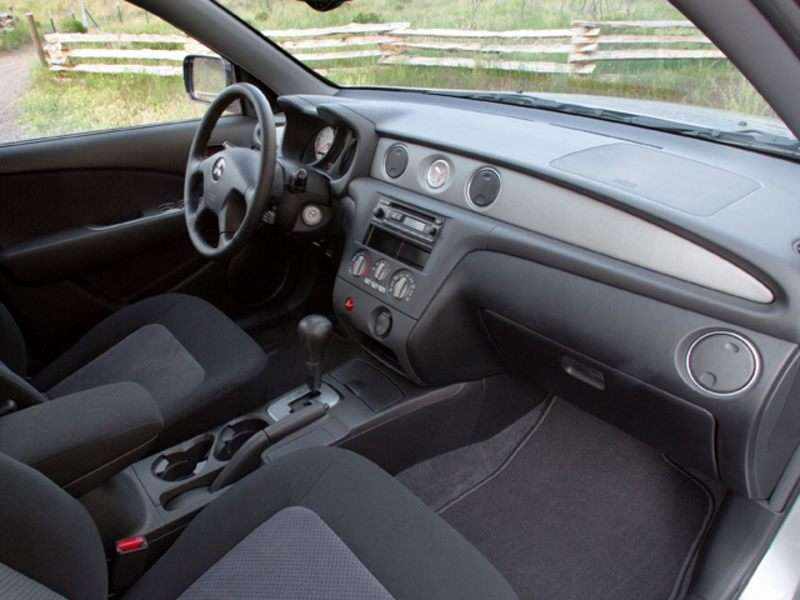 2005 mitsubishi outlander pictures including interior and exterior