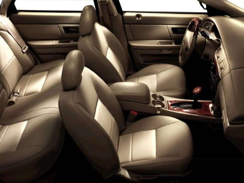 2006 ford taurus se interior