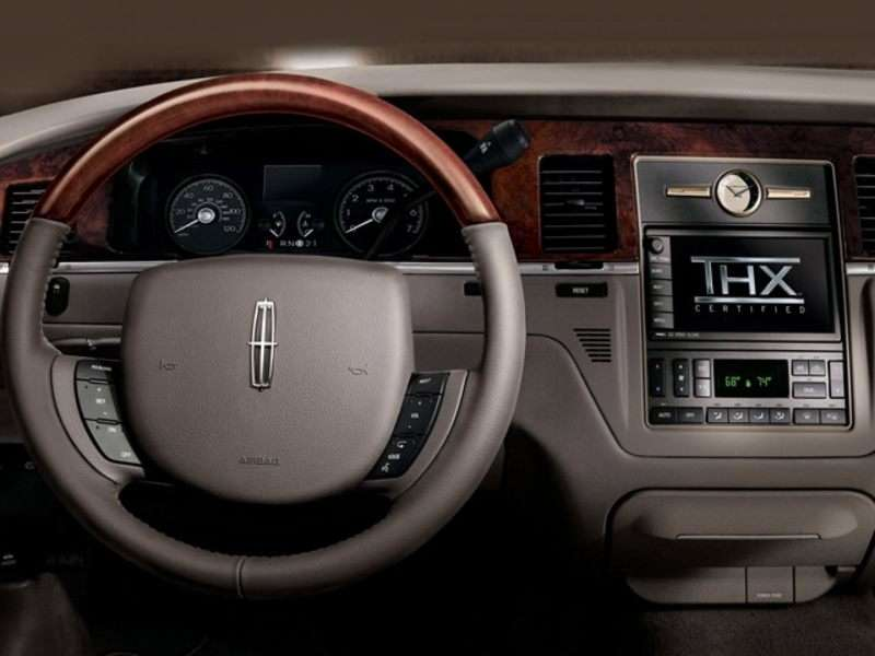 2006 Lincoln Town Car Pictures Including Interior And Exterior