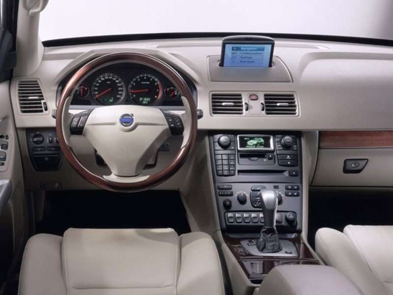 2006 Volvo XC90 Pictures including Interior and Exterior Images ...