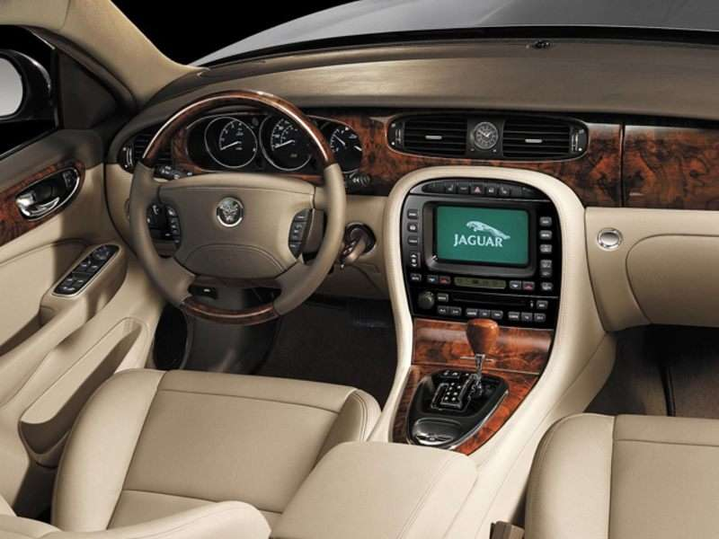 2007 Jaguar XJ Pictures Including Interior And Exterior Images |  Autobytel.com