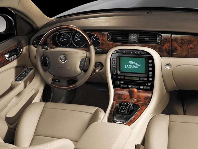 2007 Jaguar XJ Pictures Including Interior And Exterior Images |  Autobytel.com