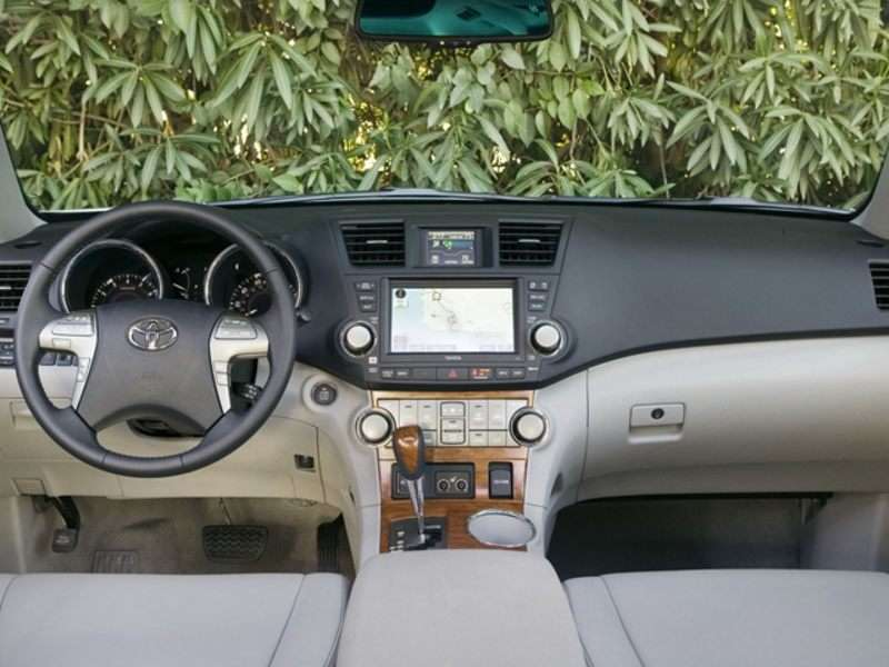 2008 Toyota Highlander Pictures Including Interior And Exterior Images Autobytel