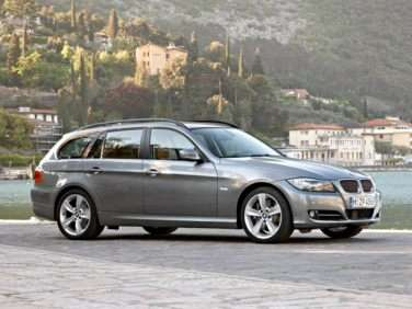 Research the 2009 BMW 328