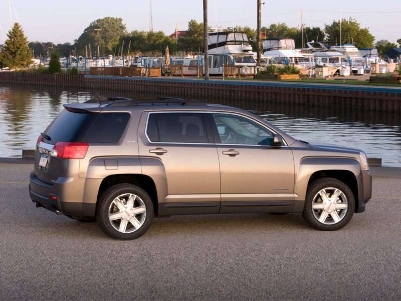 2010 Gmc Terrain A New Compact Suv With Some Bold Claims And Even Bolder Design