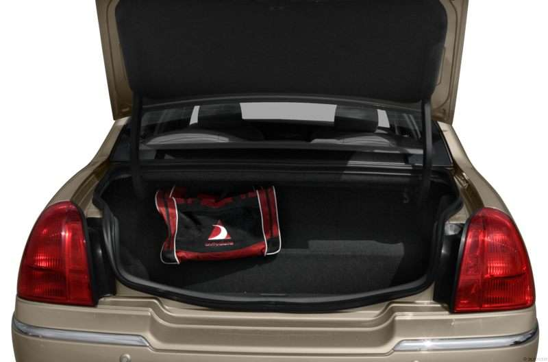 2010 Lincoln Town Car Pictures Including Interior And Exterior
