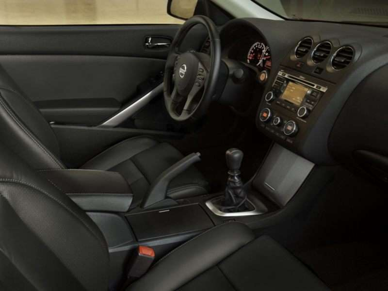 2010 Nissan Altima Pictures Including Interior And Exterior Images