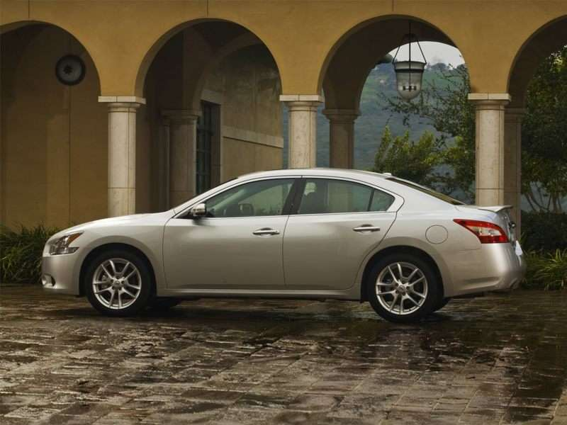 10 Things You Should Know About The 2010 Nissan Maxima Autobytel