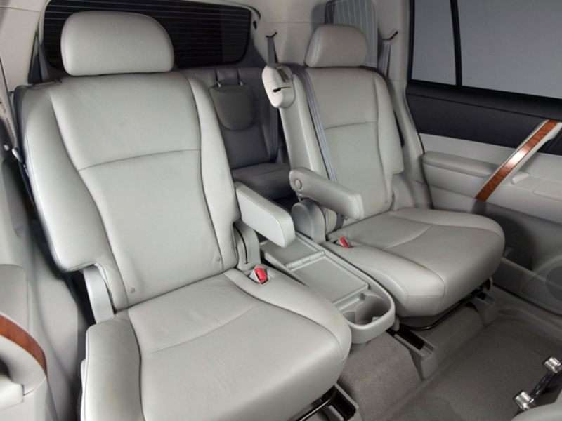 2010 Toyota Highlander Pictures Including Interior And Exterior Images Autobytel