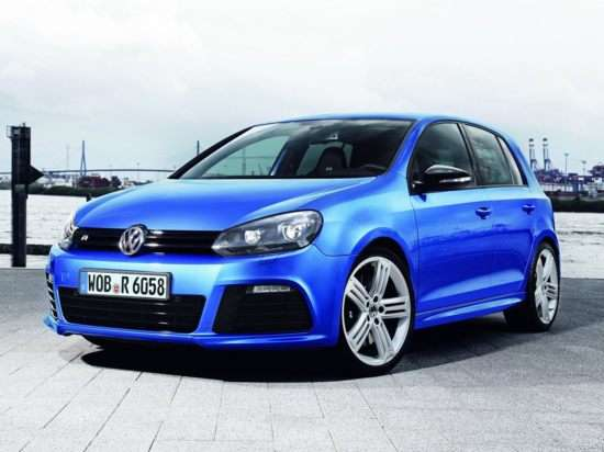 2012 Volkswagen Golf R w/Sunroof & Nav 4dr