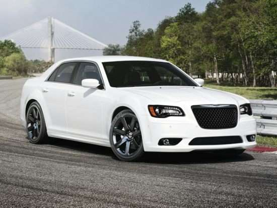2013 Chrysler 300 SRT8 Core RWD
