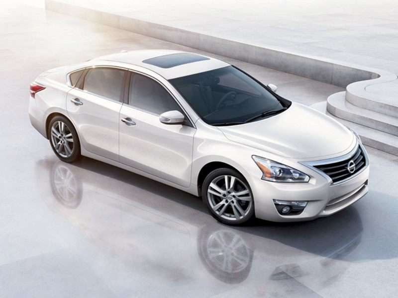 2013 Nissan Altima Pictures Including Interior And Exterior Images |  Autobytel.com