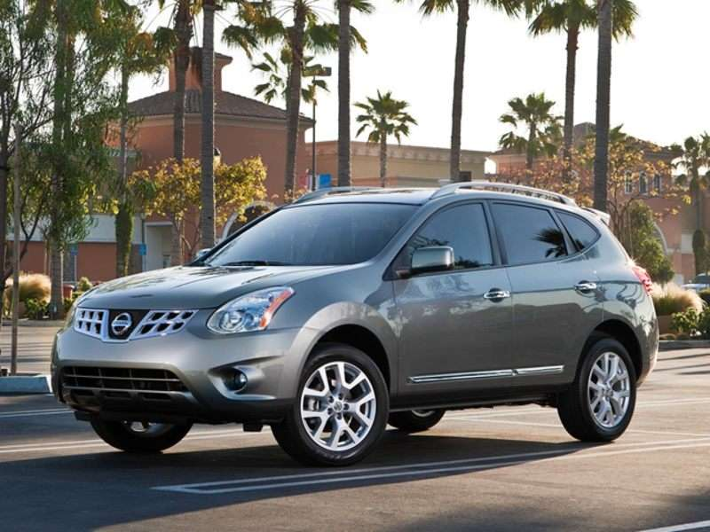 Research the 2013 Nissan Rogue