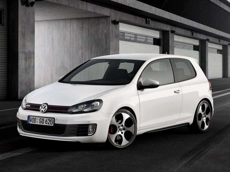 Research the 2013 Volkswagen GTI