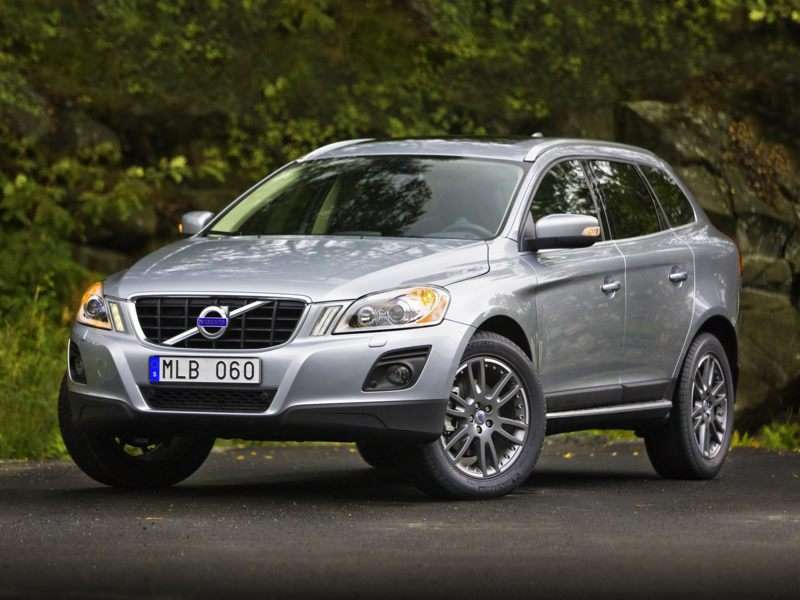 Research the 2013 Volvo XC60