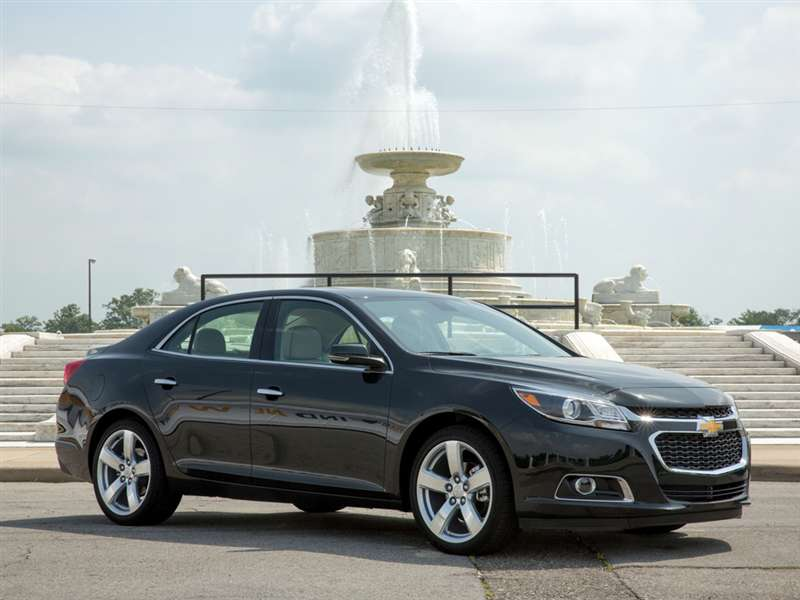 2014 Chevrolet Malibu Pictures Including Interior And Exterior Images |  Autobytel.com