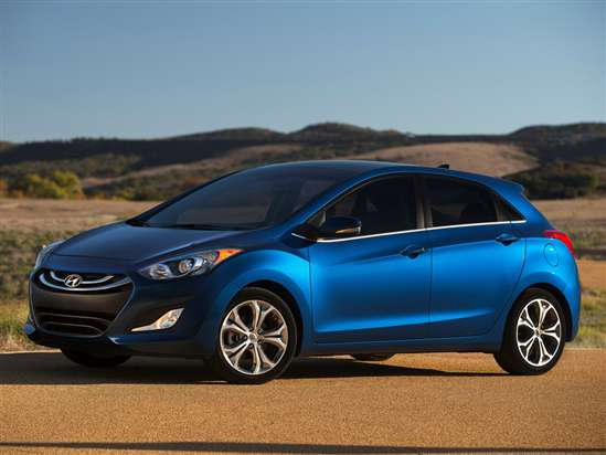 2014 Hyundai Elantra GT Test Drive and Video Review