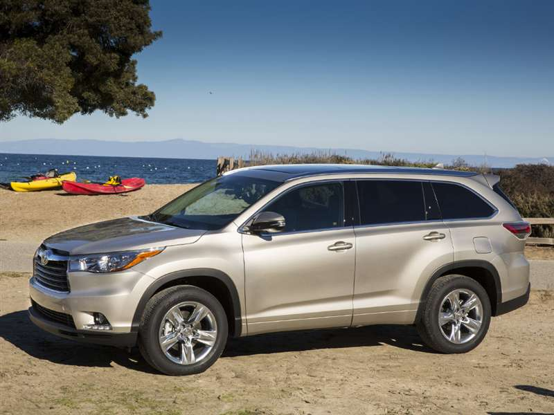 2014 Toyota Highlander Pictures Including Interior And Exterior Images |  Autobytel.com