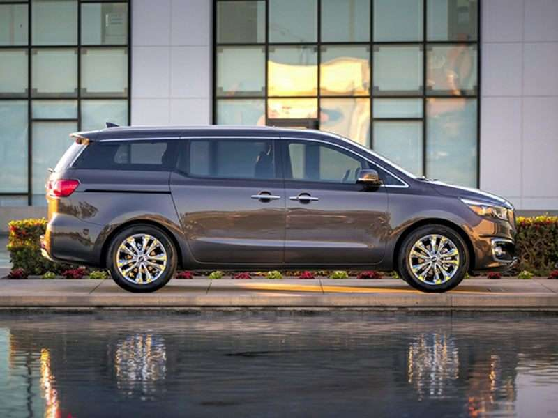 October Sales: 2015 Kia Sedona Makes Its Mark in Minivan Segment