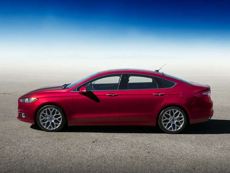 2 2016 Ford Fusion