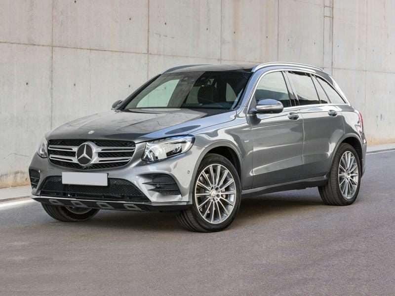 Captivating 5) 2016 Mercedes Benz GLC250d