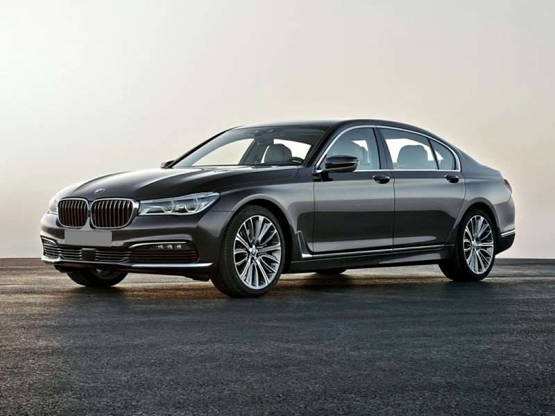 Research the 2017 BMW 740